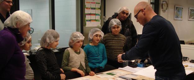 Basisschool De Zuidwester bezoekt Van Eerd